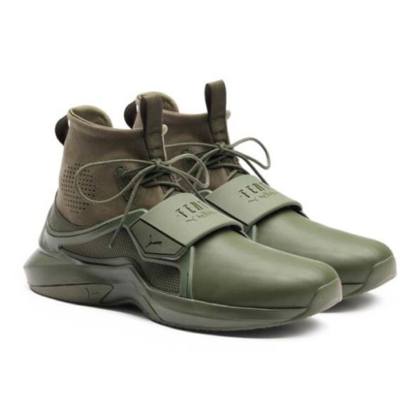 low priced f2673 99ee6 Fenty Puma Sneakers